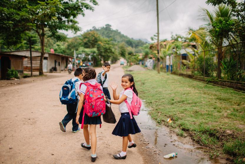 yendo a la escuela