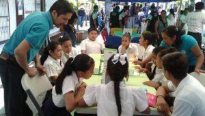 Con las Mesas de Innovación en Lectoescritura facilitada por docentes de la Escuela Ena Sánchez de Quilalí en Nueva Segovia