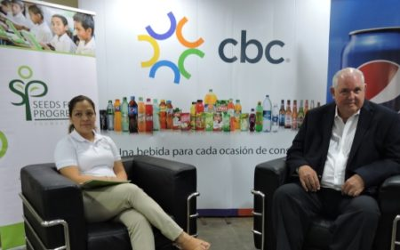 Conferencia donación laptops - CBC Nicaragua