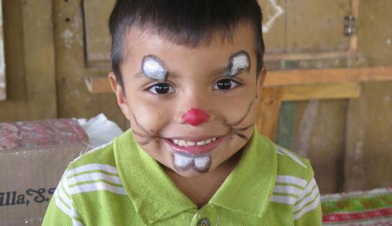 Niño en puentes educativos Escuela Buenos Aires