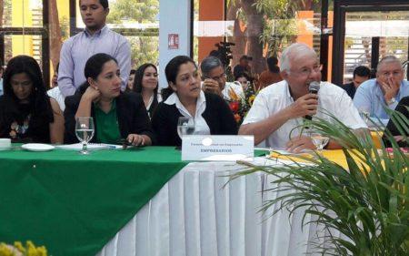 Participando en Primer Encuentro Nacional